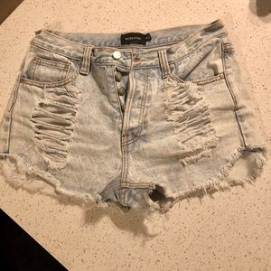 light wash distressed jean shorts